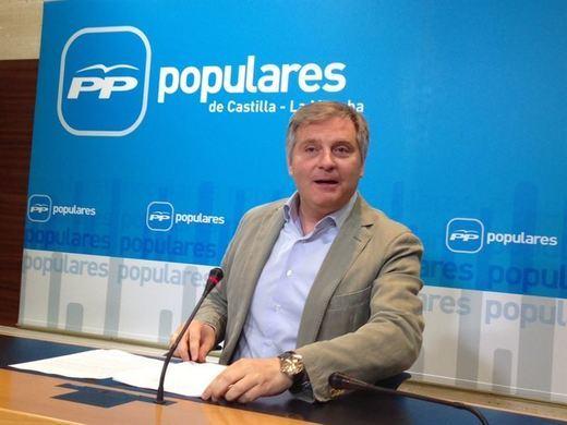 El PP-CLM ve sombras en el nombramiento de dos miembros del equipo de Emiliano García-Page