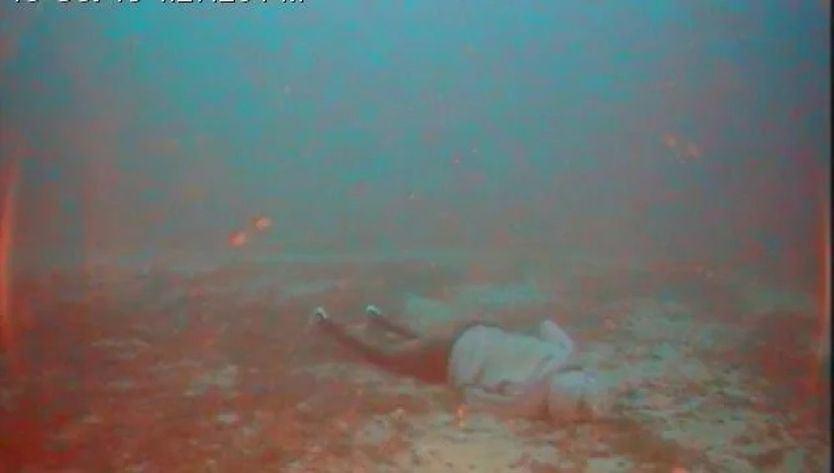Cadáver en el Mediterráneo