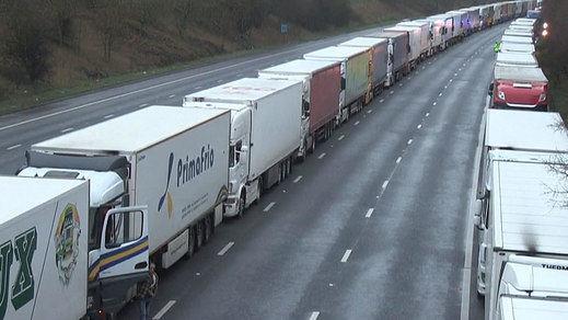 Francia reabre sus fronteras con Reino Unido tras las retenciones kilométricas de camiones