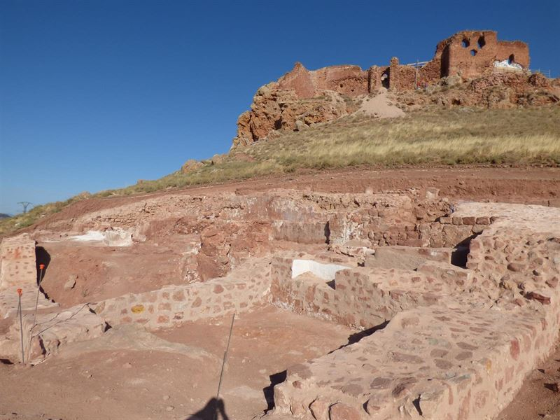 Descubren una bula papal de Bonifacio IX en las excavaciones del Castillo de Montiel