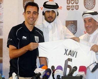 Xavi presenta su nueva camiseta