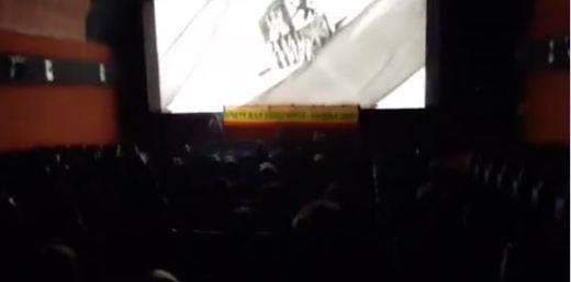 Un grupo de ultraderecha boicotea la proyección de 'Mientras dure la guerra' de Amenábar