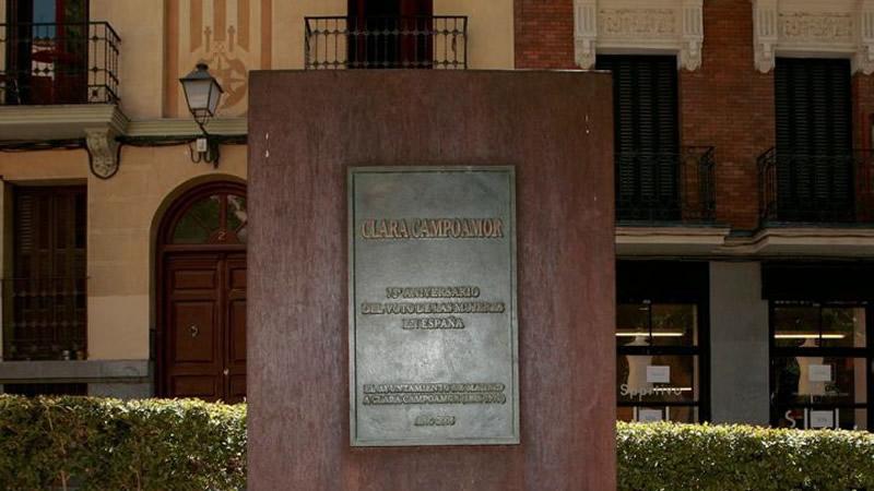 Así se hará justicia con la 'decapitada' Clara Campoamor