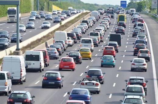 Consultar el estado de carreteras, revisar el vehículo y hacer pausas, consejos en la Operación Retorno