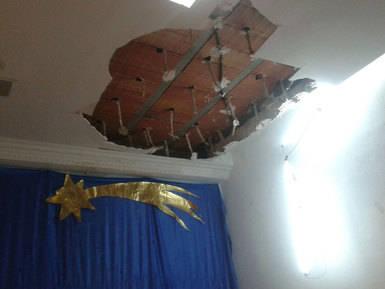 San Clemente denuncia que la Junta no ha reparado el techo del colegio cinco meses después de una granizada