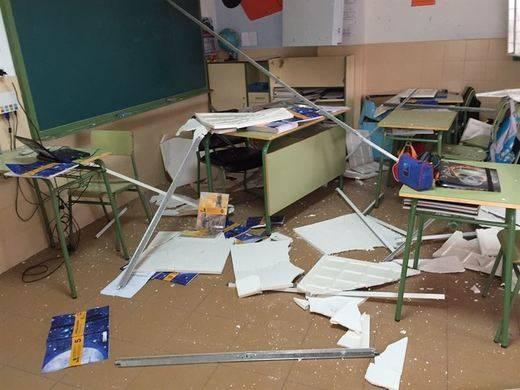 Se reanudan las clases en El Casar de Escalona tras derrumbarse el techo del colegio