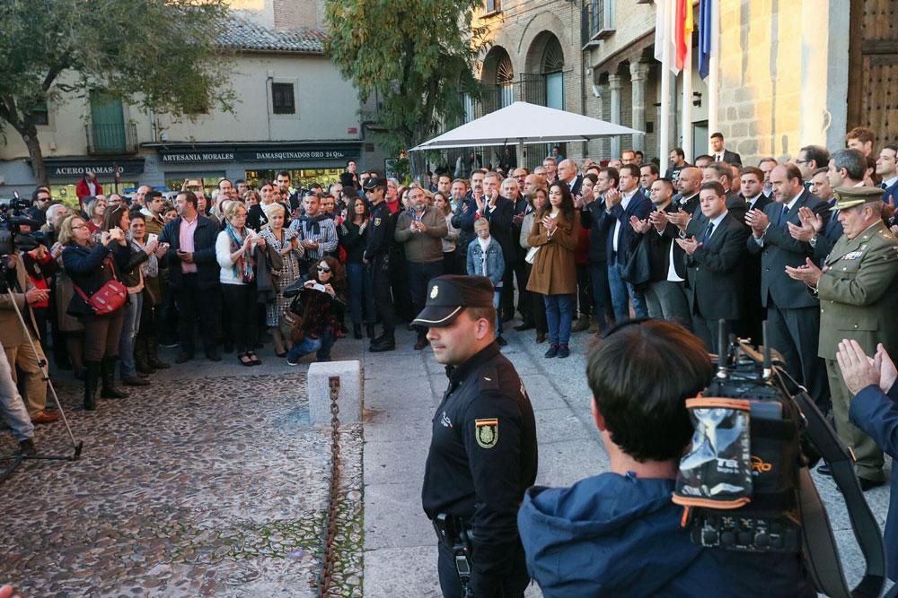 Castilla-La Mancha muestra su solidaridad con las víctimas de los atentados de Paris