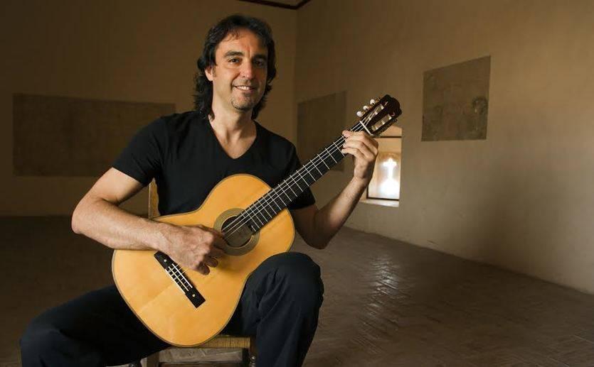 Toni Cotolí nos sumerge en los mejores y más mediterráneos 'Aromas de Guitarra'