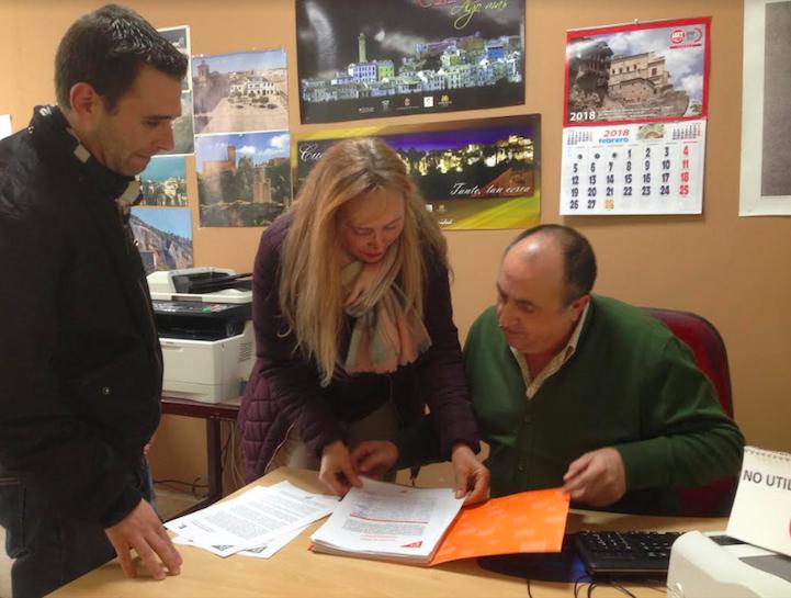 Ciudadanos registra más de mil firmas para reclamar al Gobierno central un aparcamiento gratuito en la estación del AVE en Cuenca