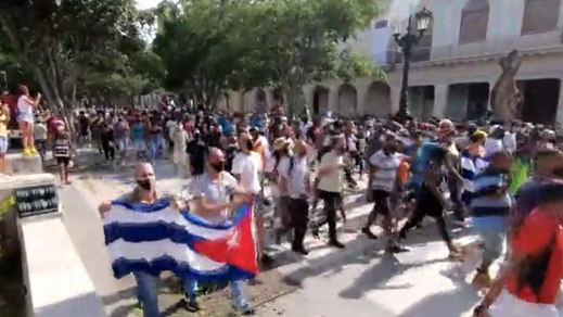 El pueblo cubano se enfrenta al régimen con éxito y fuertes protestas en varias ciudades del país