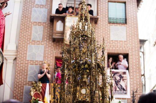 Miles de personas disfrutan en Toledo de un caluroso Corpus Christi