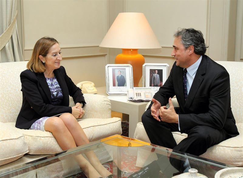 Fomento estudia ampliar el número de trenes que paran en Cuenca y bonificar tarifas