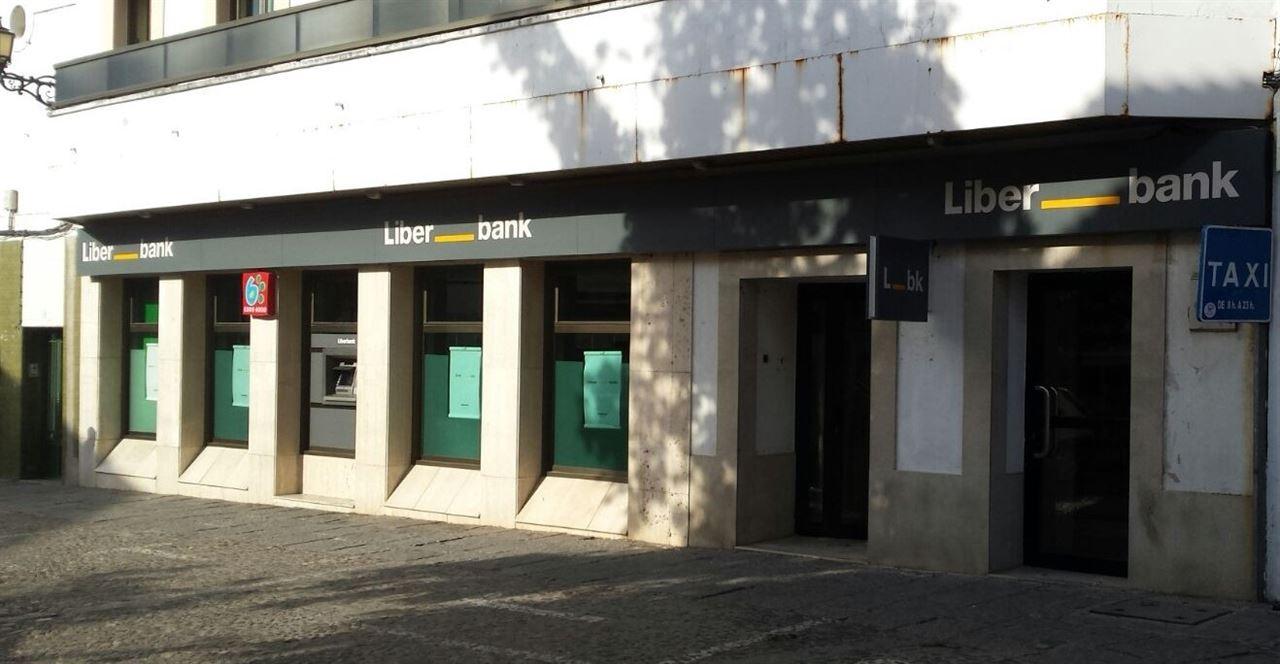 """CCOO: Liberbank no pretende """"concentrar"""" sus servicios centrales en Toledo, sino externalizarlos"""