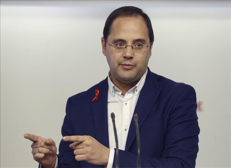 César Luena: el partido de Albert Rivera 'además de ser de derechas, es machista'