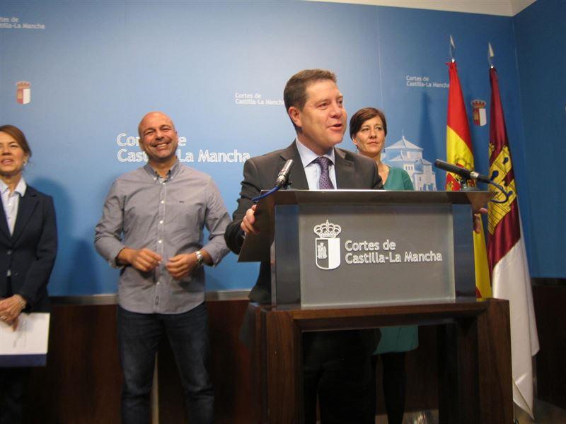 Emiliano García-Page anuncia ayudas de 150 euros para familias que no pueden afrontar los pagos de luz