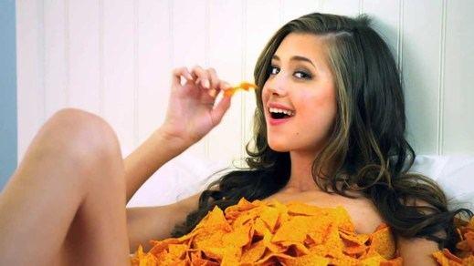 Nueva machistada a la vista: Doritos venderá aperitivos 'para mujeres'