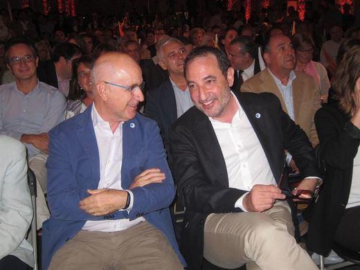 >> Duran Lleida y Espadaler avisan de un posible pacto de Junts Pel Sí y la CUP con CatSíQueEsPot para formar gobierno