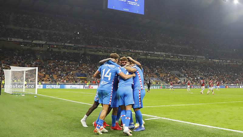 El Atlético remonta con épica tras una tarjeta roja para el Milan (1-2)