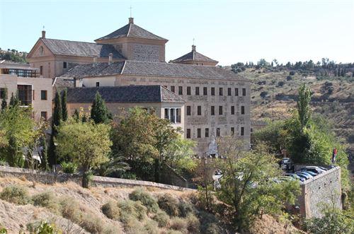 Las Cortes de Castilla-La Mancha abren nuevos perfiles en las redes sociales buscando