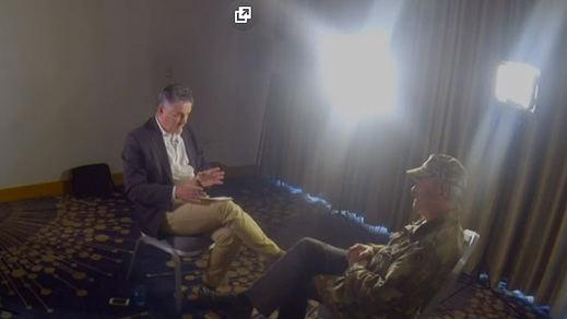 Cadenas públicas como la BBC también entrevistaron a terroristas, como a Michael Hayes del IRA