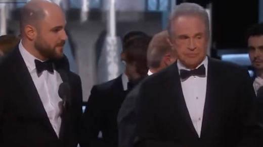 El épico error en el premio Oscar a Mejor Película: de 'La La Land' a 'Moonlight' (vídeo)