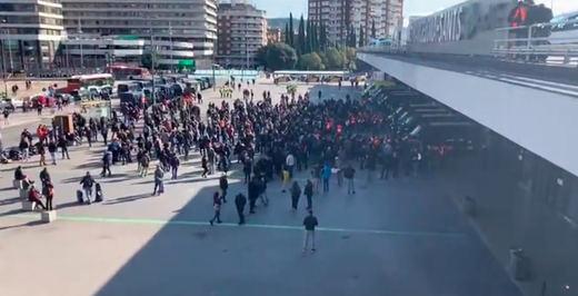 La llamada de los CDR a bloquear la estación de Sants se 'desinfla' entre burlas e incomprensión