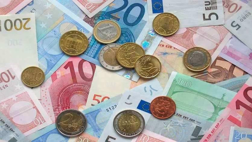 Un respiro para España, la deuda pública cae 5.958 millones en julio y se reduce al entorno del 99,9%
