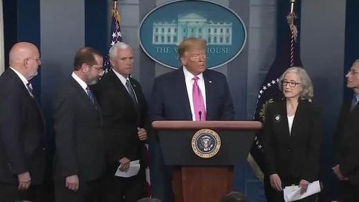 Trump minimiza el riesgo de coronavirus en EEUU pero no descarta restricciones de viajes