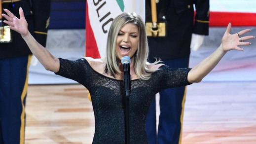 Sigue la polémica de los himnos: Fergie irrita a medio EEUU por su interpretación