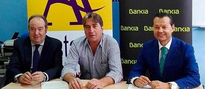 Bankia y los transportistas autónomos de Salamanca firman un convenio para ofrecer ventajas financieras a este colectivo