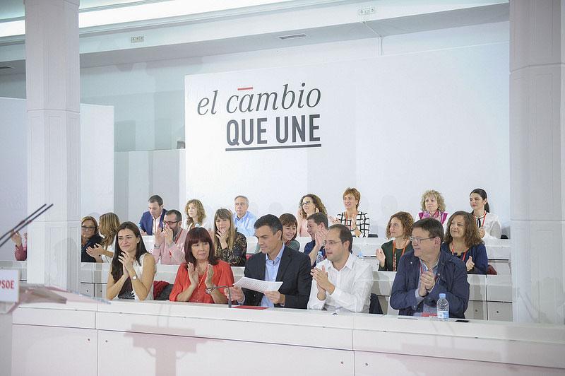 Page da un 'voto de confianza' a Pedro Sánchez con la incorporación de Irene Lozano