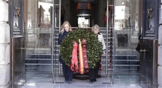 Carmena y Cifuentes, imagen de una Madrid unida para rendir tributo a las víctimas del 11-M