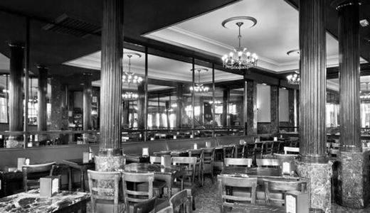 Tras 128 años de historia, cierra el Café Comercial, 'el café más antiguo de Madrid'