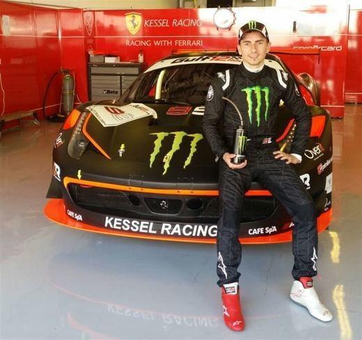 Lorenzo se apunta a la Carrera de Campeones... de coches