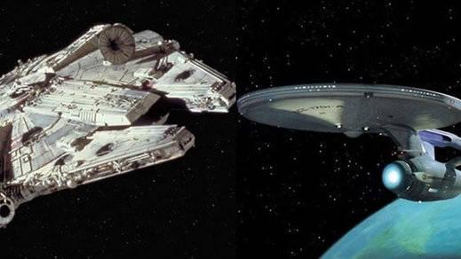Debates frikis: ¿Qué nave es mejor? ¿El Halcón Milenario de 'Star Wars' o el Enterprise de 'Star Trek'?