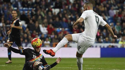 Histórica goleada 10-2 del Real Madrid a un Rayo del que abusó con 9 jugadores sobre el campo