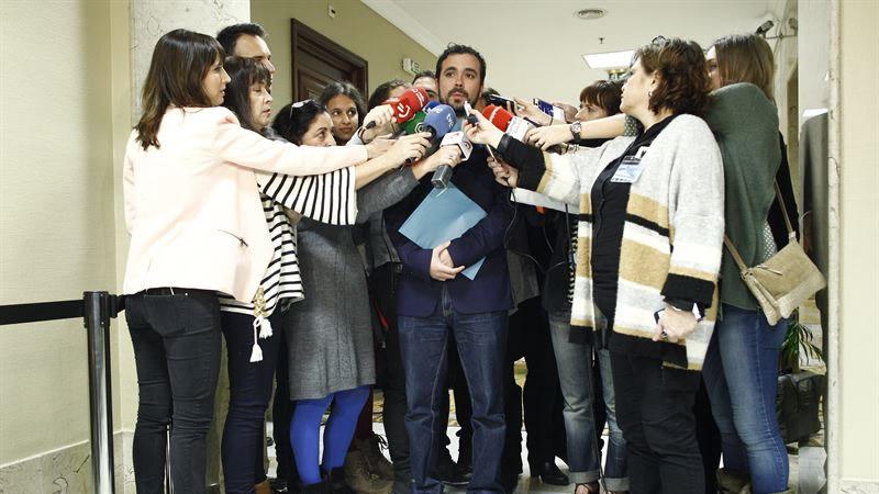 Garzón, al recoger su acta de diputado: 'A los compañeros de Podemos les sentimos parte de un mismo proyecto'