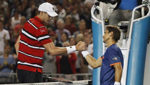 Open Australia: Ferrer se mete en cuartos tras ganar a Isner y ahora se medirá a Murray