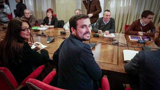 >> El PSOE no ha cerrado aún la fase de pactos: aplaza la consulta a sus militantes y dijo a IU que el acuerdo con Ciudadanos se puede revisar