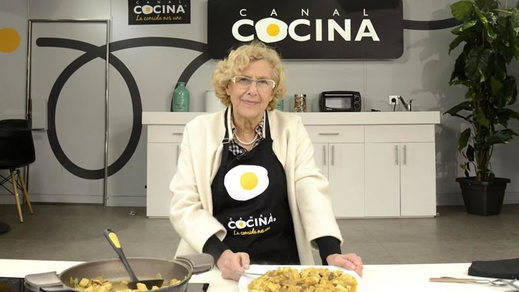 Carmena se pasa a la cocina: la alcaldesa y sus recetas