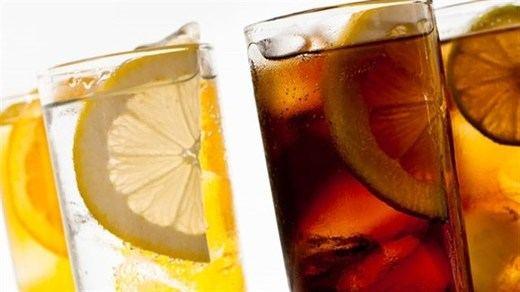 Los agricultores, contra el Gobierno por su impuesto especial sobre las bebidas azucaradas