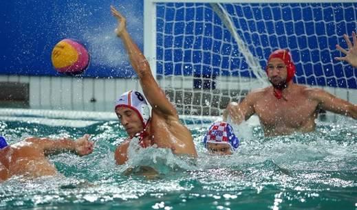 El waterpolo masculino roza los cuartos tras regalarse una exhibición ante Croacia (9-4)