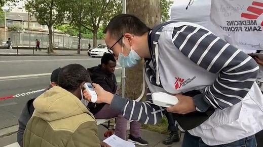 Francia prioriza en agosto vacunar a personas en situación de precariedad