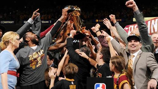 Cleveland se lleva el anillo de la NBA en el séptimo partido frente a los favoritos Warriors