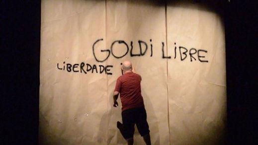 'Goldi libre': memoria, ironía, sarcasmo y política