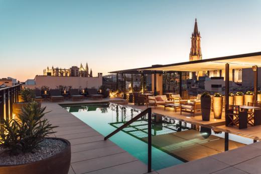 CaixaBank lanza el premio Hotels & Tourism que reconoce la innovación y sostenibilidad de las empresas turísticas