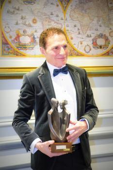 El distinguido Cirujano Alberto Lajo Rivera nombrado Ciudadano Europeo 2015