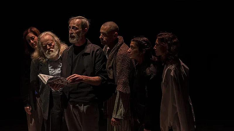 Crítica de la obra de teatro 'J'attendrai': historias que tienen que ser contadas