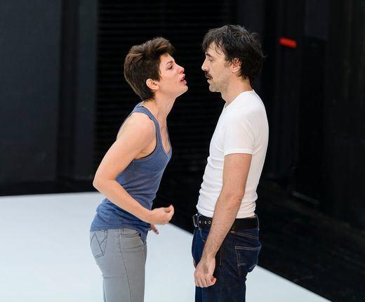 Amor y desamor palpitan en 'La clausura del amor', de Pascal Rambert, con Israel Elejalde y Bárbara Lennie grandiosos