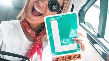 Laura Escanes, otra famosa que se saca el carné de conducir en Cuenca... y en plena huelga de examinadores
